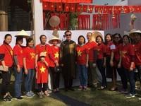 Vietnam joins international charity bazaar in Indian capital