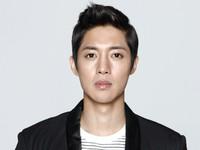 Sự nghiệp tuột dốc không phanh, Kim Hyun Joong vẫn không bị công ty quản lý bỏ rơi