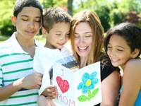 Người Mỹ chi 23 tỷ USD cho Ngày của Mẹ?