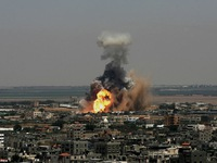 Israel tiếp tục tấn công các mục tiêu tại dải Gaza