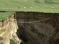 Hố tử thần khổng lồ có kích thước chưa từng có tại New Zealand