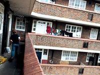 Hơn 3 triệu trẻ em Anh sống dưới chuẩn nghèo