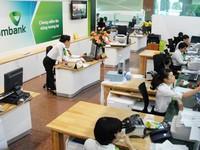 Tăng phí giao dịch, ngân hàng phải tăng chất lượng dịch vụ