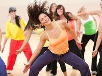 Giải phóng năng lượng với môn nhảy Zumba