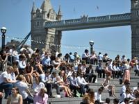 Nước Anh đón nắng nóng kỷ lục
