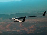 Facebook hủy dự án máy bay không người lái khổng lồ