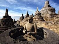 Khám phá ngôi đền Phật giáo lớn nhất thế giới tại Indonesia