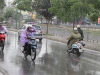 Từ ngày mai (1/8), Bắc Bộ mưa giảm dần