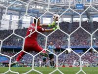 """Thủ thành Muslera trở thành """"Karius thứ 9"""" tại FIFA World Cup™ 2018"""