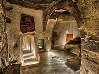 Trở về 'thời tiền sử' tại 7 khách sạn hang động độc và lạ nhất hành tinh