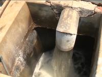 5 năm sống chung với nước nhiễm Asen, người dân khu đô thị Tân Tây Đô 'khát' nước sạch
