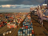 Anh: Doanh nghiệp xuất nhập khẩu gặp khó với Brexit