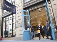 Amazon khai trương cửa hàng bán lẻ 4 sao đầu tiên tại Mỹ