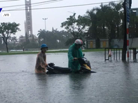 Forces help evacuate people from flooded areas
