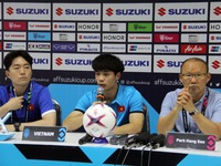 Coach Park satisfied with Vietnam's first win at AFF Suzuki Cup