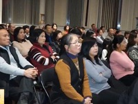 Cộng đồng người Việt tại Hungary mong muốn tình hình kinh doanh khởi sắc