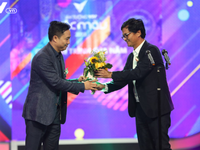 """VTV Awards 2018: """"Year End Meeting – Kitchen God' won the prize of Program of the Year"""