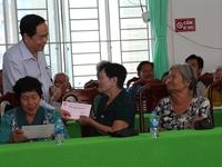 Tet gifts presented to poor households in Tay Ninh, Hau Giang