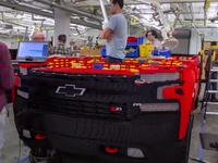 Chiêm ngưỡng chiếc xe bán tải được ghép bởi 300.000 mảnh Lego