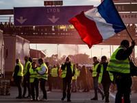 Tổng thống Pháp lên án người biểu tình 'Áo vàng'