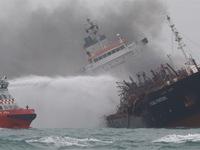 Vụ tàu chở dầu Việt Nam cháy tại Trung Quốc: Đề nghị khẩn trương tìm kiếm thuyền viên mất tích