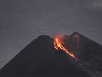 Indonesia cảnh báo hàng không do núi lửa phun trào