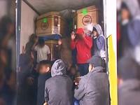 Biên phòng Mỹ phát hiện 30 người di cư trong thùng xe tải