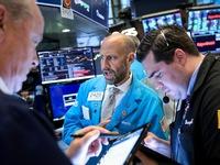 Chứng khoán Mỹ tiếp tục giảm điểm do lo ngại suy thoái