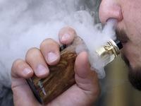 Nghi vấn tổn thương phổi do nhiễm khói hóa chất từ hút thuốc lá điện tử