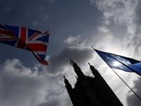 Brexit khiến kinh tế Anh tăng yếu nhất một thập kỷ