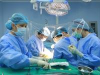 Lần đầu ghép gan cấp cứu thành công với nguồn tạng từ người cho sống