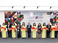 Exhibition showcases fine art works by typical Asian artists