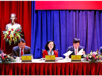 Senior leaders meet voters after 14th NA's eighth session
