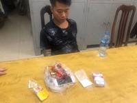 Hà Nội: CSGT bắt giữ đối tượng xăm trổ tàng trữ ma túy