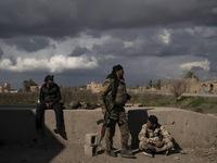 Syria sơ tán dân khỏi thành trì cuối cùng của IS