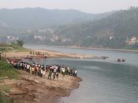 Khu vực 8 học sinh bị đuối nước nguy hiểm nhưng không có cảnh báo