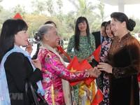 Chủ tịch Quốc hội gặp gỡ cán bộ Đại sứ quán và kiều bào tại Maroc