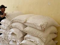 An Giang: Thu giữ 5 tấn đường cát nhập lậu qua biên giới