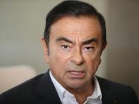Cựu Chủ tịch Nissan gặp gia đình sau khi tại ngoại