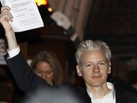 Ecuador chi 7 triệu USD cho người đứng đầu WikiLeaks tị nạn