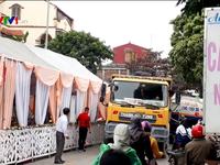 Vô tư dựng rạp dưới lòng đường: Đừng để đám cưới trở thành đám tang!