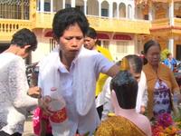 Thiêng liêng lễ tắm Phật của đồng bào Khmer