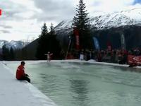 Thú vị cuộc thi trượt tuyết kèm trượt ván nước tại Alaska