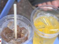 Quán vỉa hè nói 'không' với cốc nhựa, ống hút nhựa và túi nylon