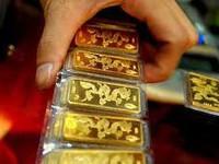 Tỷ giá trung tâm tăng, giá vàng giảm mạnh