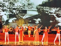 Art programme celebrates President Ho Chi Minh's birthday