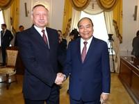 Thủ tướng Nguyễn Xuân Phúc gặp Quyền Thống đốc Saint Petersburg