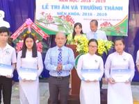 """""""Thắp sáng ước mơ xanh 2019"""" tặng hơn 2.000 phần quà, học bổng"""