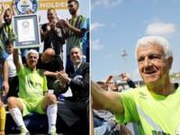 Thủ môn già nhất thế giới lập kỷ lục Guinness