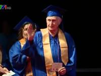 Tốt nghiệp đại học ở tuổi 90